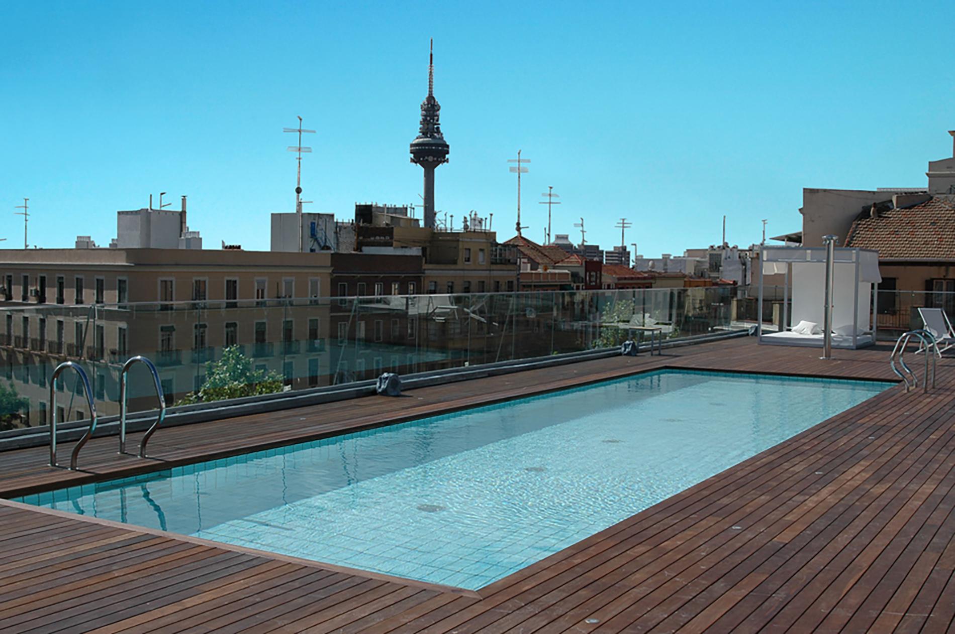 Gimnasio piscinas entrenamiento personal o2 centro for Piscina 02 manuel becerra