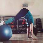"""""""Es un implemento que se utiliza para aumentar las resistencias en los ejercicios de Pilates. Ayuda a la mejora de algunos aspectos fundamentales como estabilización de escápulas y pelvis neutra, la alineación, aumento de fuerza en general, pero en especial de la musculatura profunda."""""""