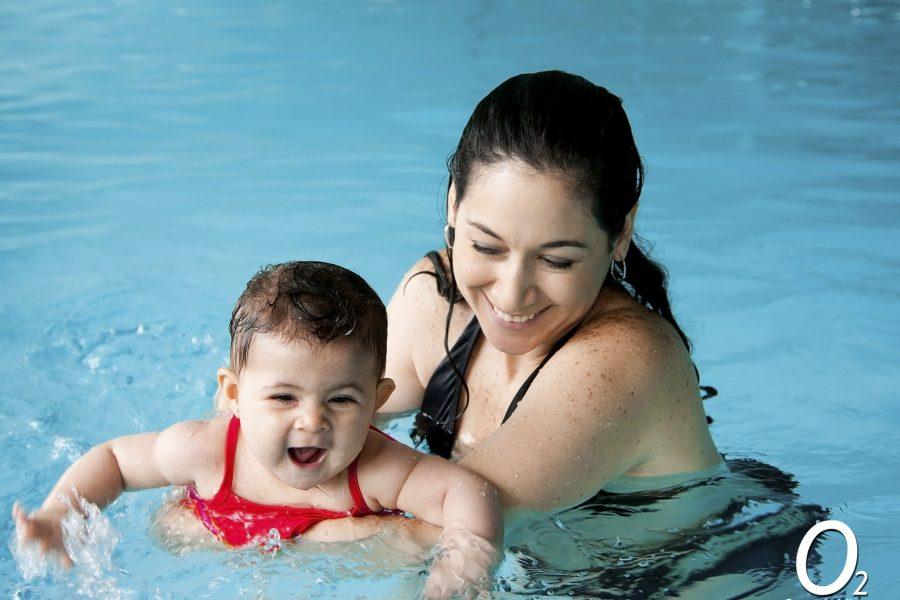 Nada con tu bebé en nuestras piscinas